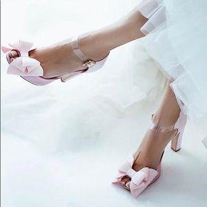 NEW. STUDIO RAIN Sandals - size 7.5/8